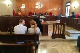 Dos acusados admiten una estafa con el cobro con tarjeta en Magaluf