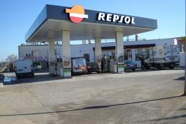 Detenida por conducir borracha hasta una gasolinera para comprar más alcohol