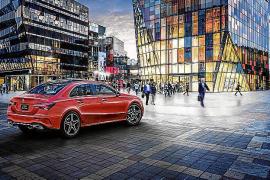 Mercedes Benz presentó en el Salón de Pekín la nueva Clase A L Berlina