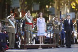 """Zapatero supera su última Fiesta Nacional """"blindado"""" de los abucheos"""