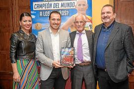 Presentación del libro de Emilio Cámara '¿Cómo ser campeón del mundo a los 70 años?
