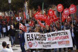 Los sindicatos llaman «indigna» a Salom por oponerse a la carrera profesional