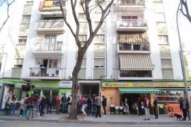 Concentración para frenar el desahucio de una mujer y sus tres hijos en Palma