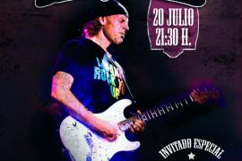 El legendario guitarrista de blues latino Javier Vargas recala con su banda en Trui Teatre