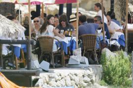 Carles Puyol y Malena Costa han roto, según la prensa rosa