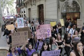 Cientos de estudiantes se manifiestan en Palma contra la sentencia de 'La Manada'