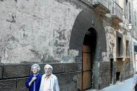 El Govern vende Can Fàbregues y la sede del Hogar Balear en Madrid para obtener liquidez