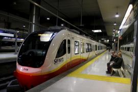 Una incidencia paraliza la circulación de los trenes eléctricos en Mallorca