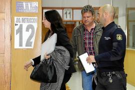 El juez deja sin efecto la orden de alejamiento del cuartel de otro policía