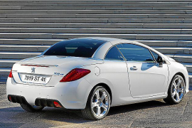 Condena a Peugeot por tardar varios meses en cambiar una pieza averiada