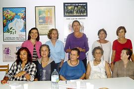 Las feministas se movilizan contra la gestión de la directora de la Dona