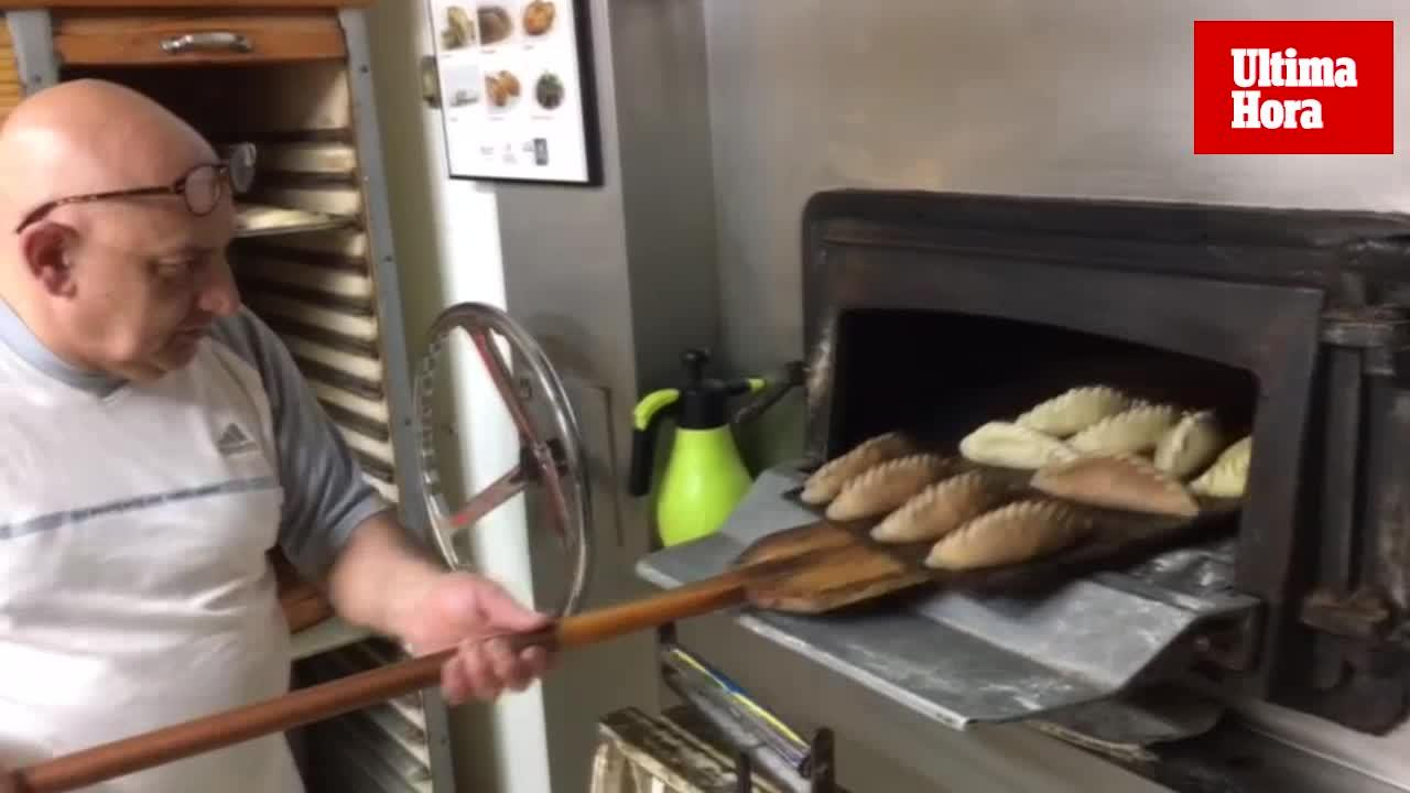 Forn Sant Elies: «Los clientes se preguntaban cómo un uruguayo puede hacer 'llonguets'»