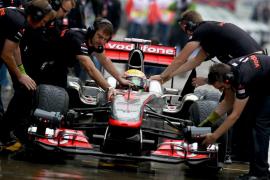 Hamilton rompe la hegemonía de Red Bull y Alonso saldrá sexto