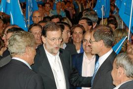 Rajoy acusa de manirroto al PSOE y exige que cumpla ante Europa