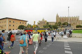 Touroperadores y agencias cancelan excursiones por falta de guías turísticos