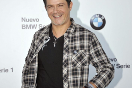 Alejandro Sanz desmiente los  rumores de infidelidad en Twitter