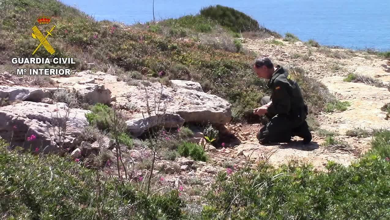 La Guardia Civil destruye un proyectil y dos granadas en Ibiza y Mallorca