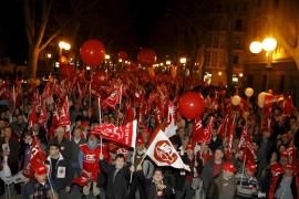 Más de 3.000 personas salen a la calle en Palma contra el 'pensionazo' del Gobierno Zapatero