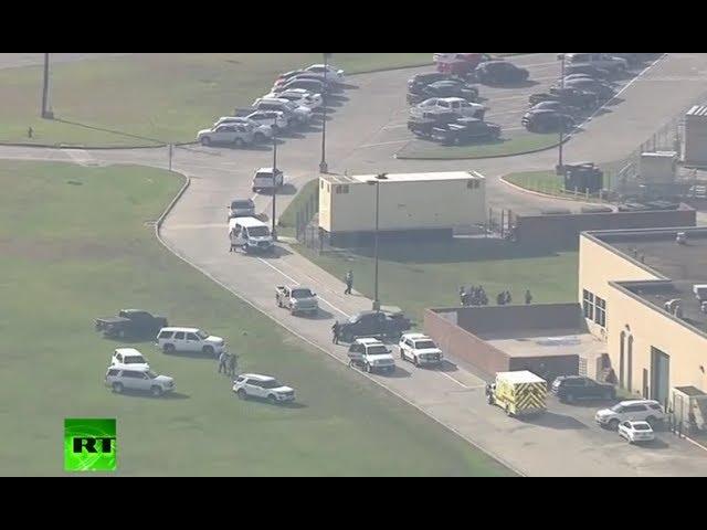 Al menos 10 muertos en un tiroteo en una escuela de Texas