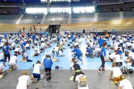 Más de 900 personas logran batir un récord guinness de reanimación cardiopulmonar