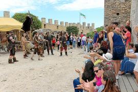 Capdepera retorna al pasado en un multitudinario y exitoso Mercat Medieval