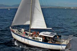 Buscan al tripulante de un velero desaparecido desde el jueves en Palma
