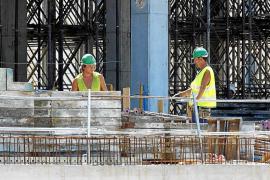 La mitad de los autónomos trabajan en comercio y construcción
