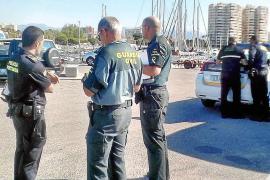 Pillados dos chinos practicando marisqueo furtivo en Es Portixol