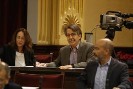 El Parlament rechaza que se impartan en castellano las asignaturas troncales a alumnos recién llegados