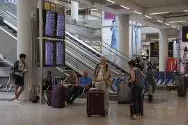 La huelga de controladores franceses provoca la cancelación de 62 vuelos en Baleares