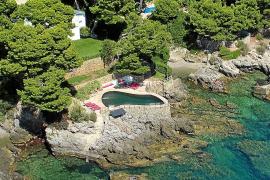 Sastre recurre el silencio del Gobierno sobre la concesión de la piscina a Pedro J.