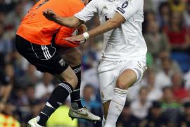 El Real Madrid saca el rodillo para acariciar los octavos (4-0)