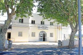 Detenido tras agredir a los policías que le interceptaron con drogas y circulando en sentido contrario en Sant Antoni