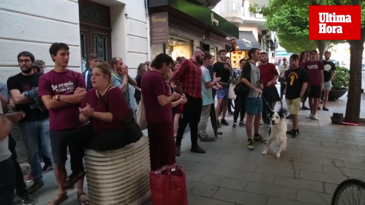 'Desangelada' concentración en Palma en apoyo a Valtonyc