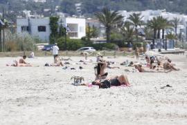Vila y Sant Josep: sin hamacas hasta junio (Fotos: Arguiñe Escandón).
