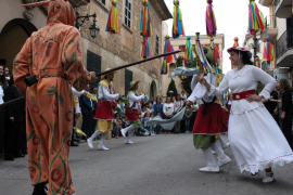 Los Cossiers y el pregón de la Banda de Música dan inicio a las Fires i Festes de Manacor