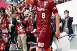 El 'mago' Iniesta se presenta ante 8.000 aficionados como jugador del Vissel Kobe