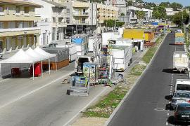 Las atracciones de las ferias ocupan la antigua carretera de Palma a Alcúdia
