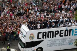 El Madrid celebra la decimotercera Copa de Europa con la afición