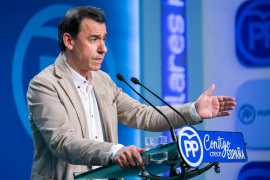 Maillo subraya que el PP está con Rajoy: «España no está para mociones ni elecciones»
