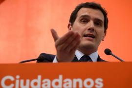 Rivera ofrece a Rajoy pactar la convocatoria de elecciones en otoño