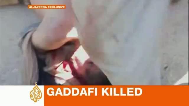 Al Yazira muestra imágenes del supuesto cadáver de Gadafi