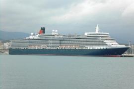 El Queen Elizabeth llegó este lunes a Palma en su visita anual