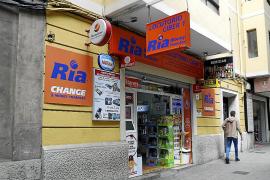 Atracan de madrugada y a punta de pistola un locutorio en Pere Garau