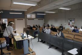 Unos 300 opositores buscan impugnar un examen para ser auxiliar de la CAIB
