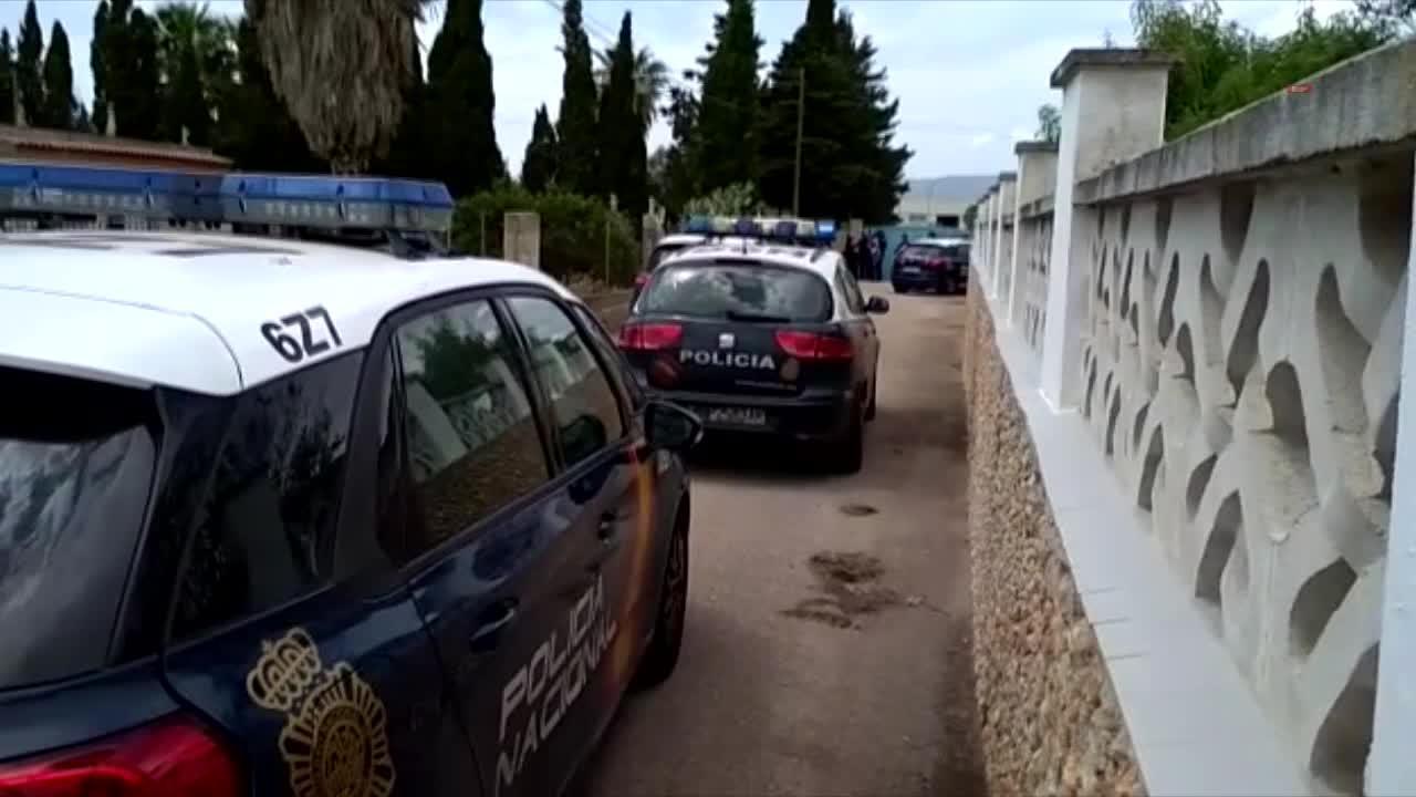 Dos atrincherados tras agredir a un policía que presentaba una notificación en Palma