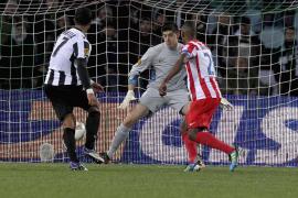 El Atlético cede el liderato en unos increíbles últimos cuatro minutos