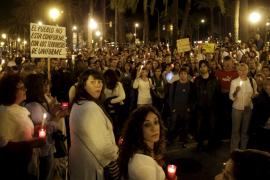 Un millar de personas se manifiesta en Palma para protestar contra los recortes a las entidades sociales