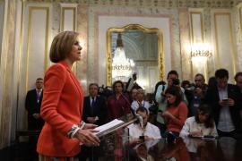 Cospedal afirma que Rajoy no va a dimitir porque no servirá al PP para seguir en el Gobierno