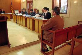 Juzgan a una mujer por coaccionar al acusado de abusar de su hija en Pere Garau